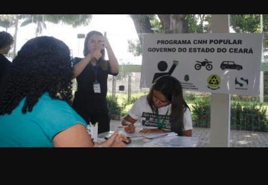 Inscrição de 150 surdos no programa CNH Popular (CE)