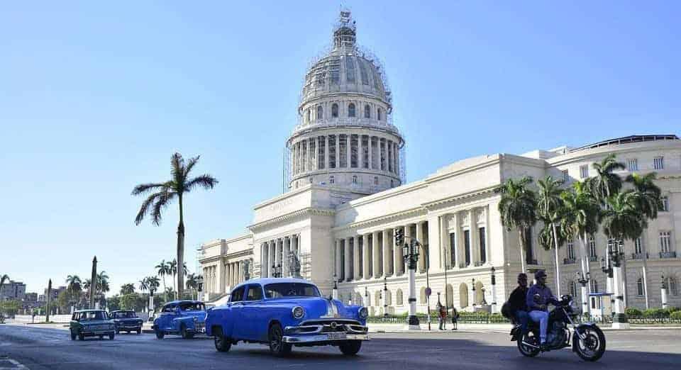 Trânsito em Havana