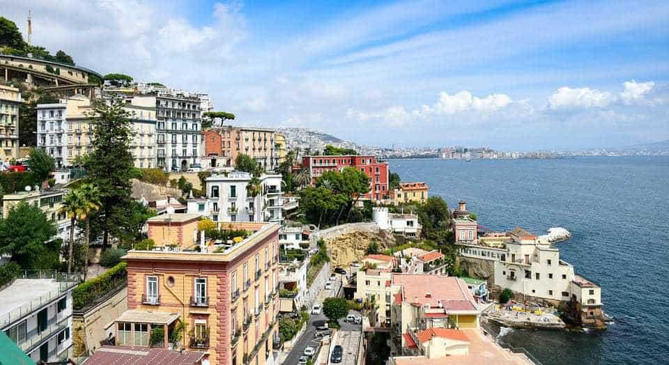 Trânsito em Nápoles