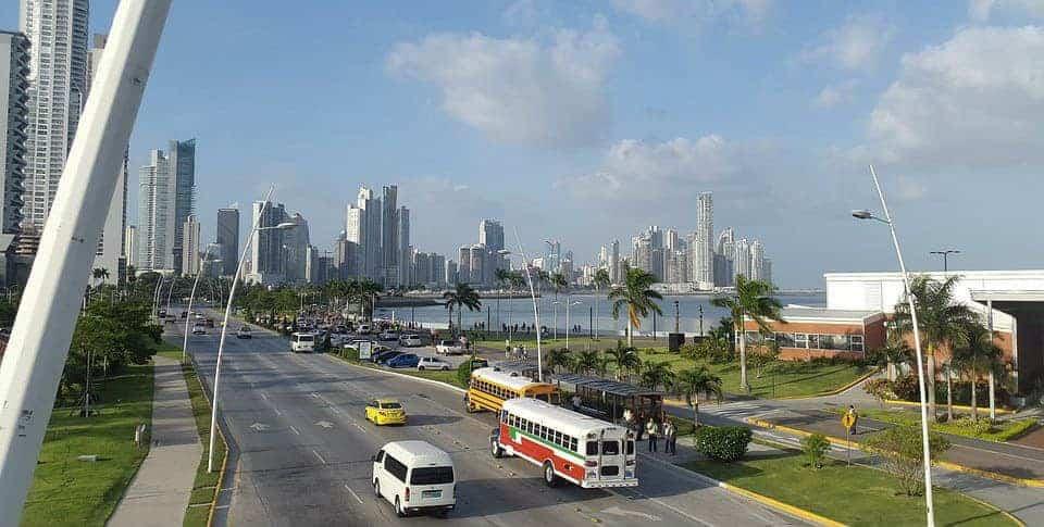 Trânsito na cidade do Panamá