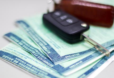 Licenciamento de Veículo via Correios - DETRAN-SP